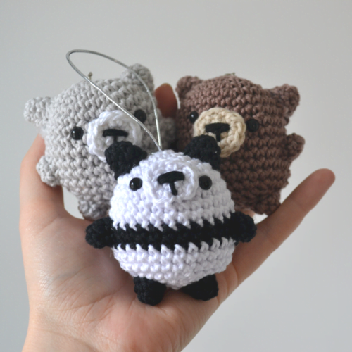 Little Smidge of Happiness Three Chubby Bears Crochet Decorations