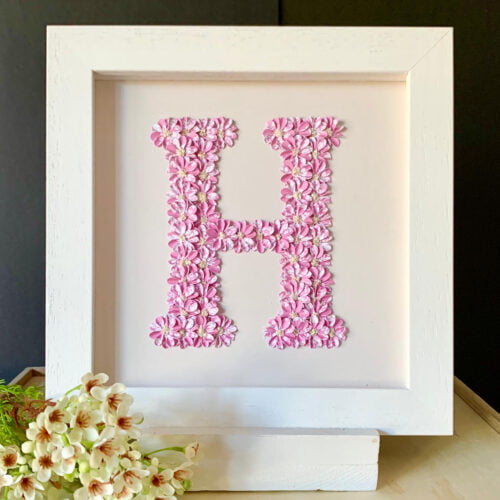 Fleur de L'amour Picture with letter H in pink flowers
